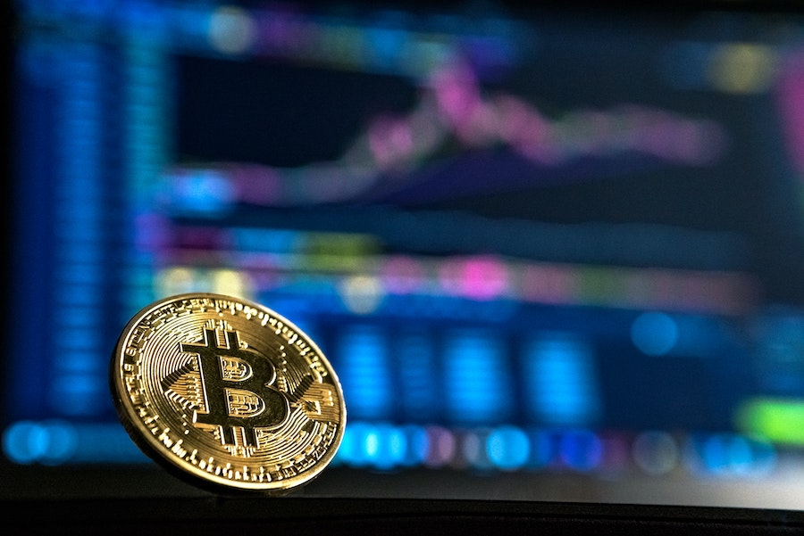 At what point does this analyst plan to start selling his Bitcoin
