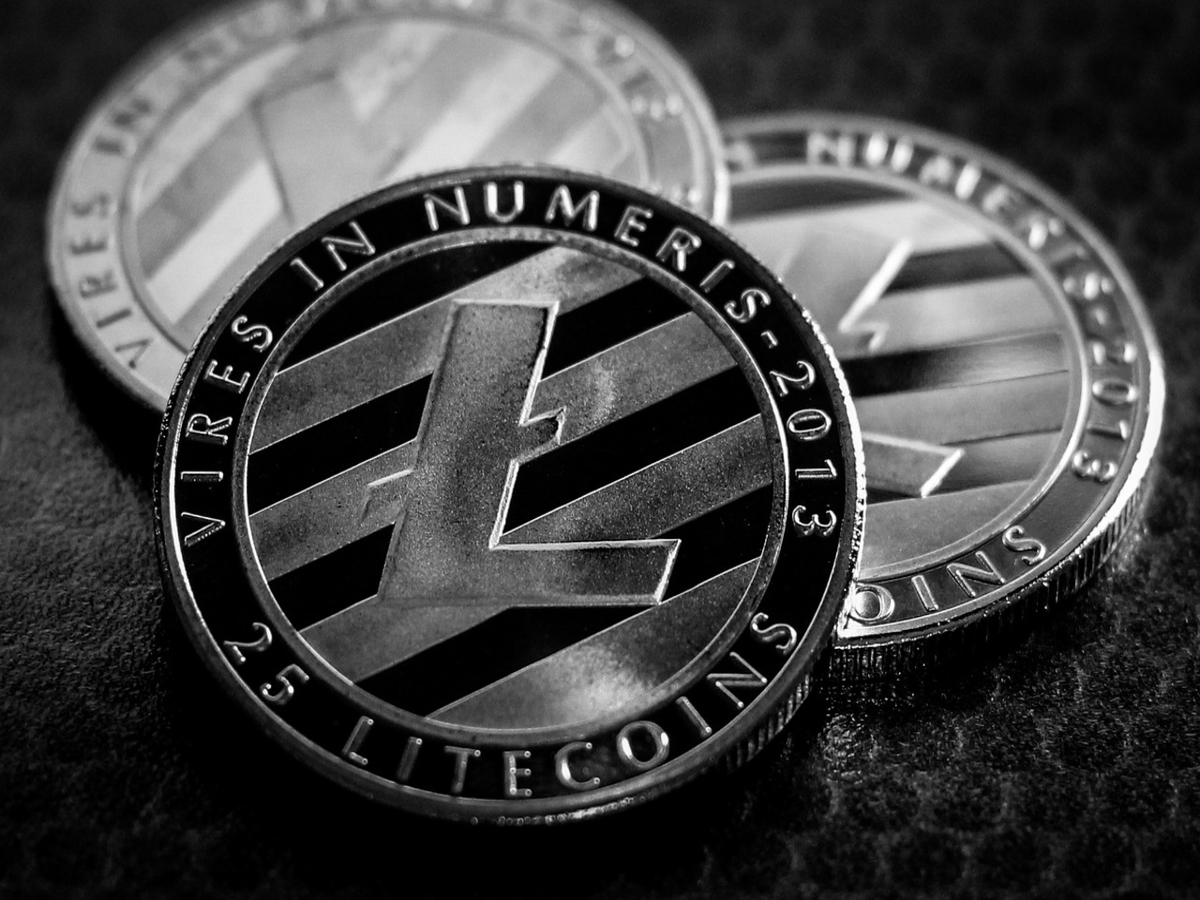 Here's how investors can take advantage of Litecoin's price