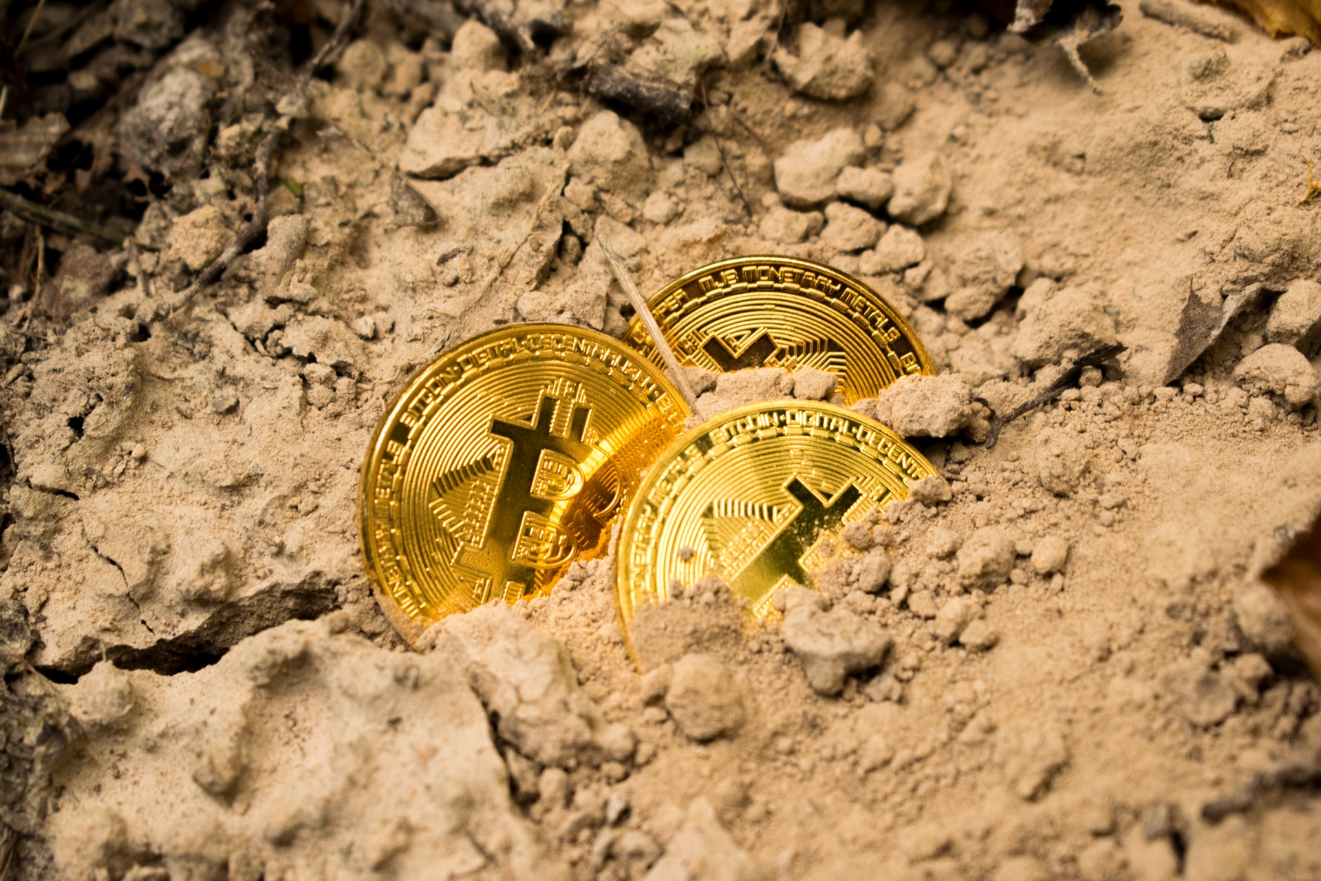 Bitcoin, Uniswap and Chainlink Price Analysis: 09 August