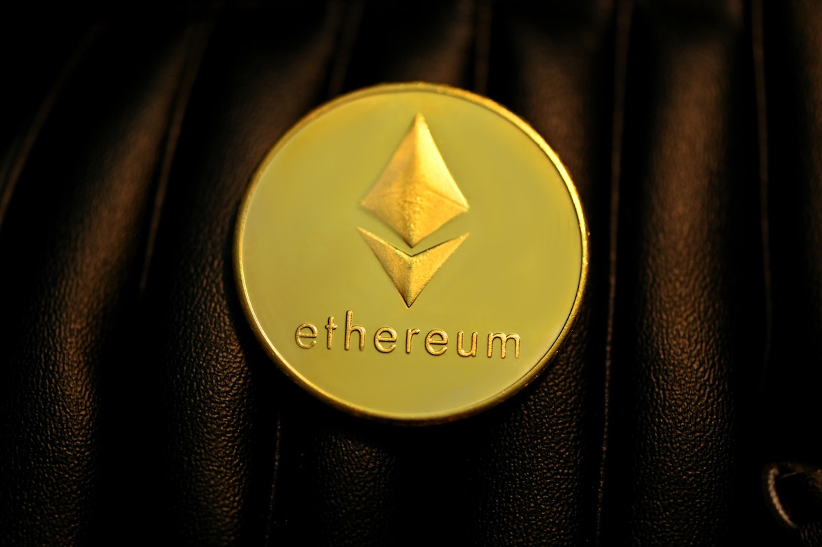 Does Ethereum react to Bitcoin the way silver does to gold